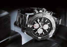 百年灵复仇者二代复刻手表防水性好、耐高温